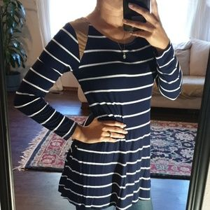 SUPER SOFT  Navy blue tunic with white stripes